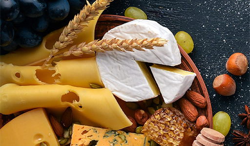 CHEESE & CHARCUTERIE GIFT BASKETS